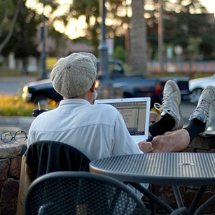 design-social-media-within-abpi-older-man-laptop-photo-Flickr_user_nosha