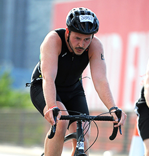 David-Cooney-London-Triathlon-2015-cycling